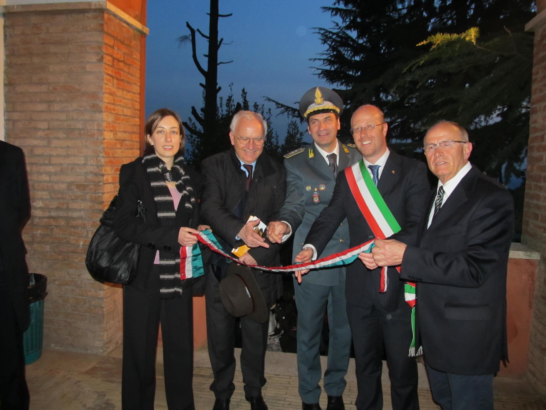 https://www.comune.olevanoromano.rm.it/immagini_news/public/immagine/18-Taglio-Nastro.JPG