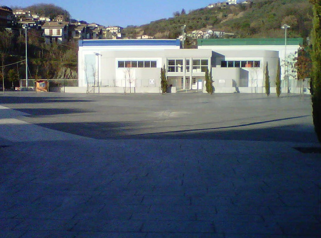 https://www.comune.olevanoromano.rm.it/immagini_news/public/immagine/63-Ingresso-pisciana-lato-piazza-1.jpg