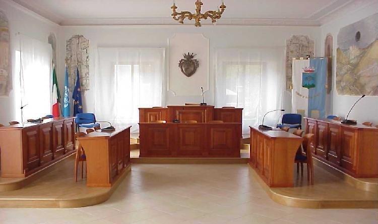 https://www.comune.olevanoromano.rm.it/immagini_news/public/locandina/45-33-40-27-Aula_Consil.jpg